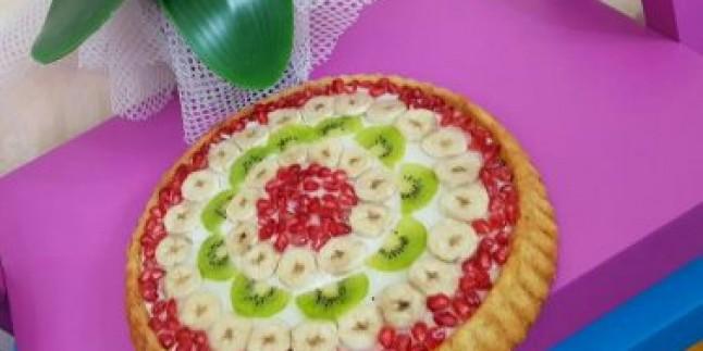 Keşke Hiç Bitmese: Meyveli Tart Kek Tarifi