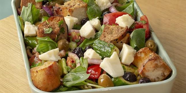 Bayat Pideden: Pideli Domates Salatası Tarifi