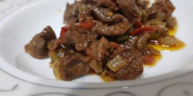 Lokum Tadında: Sebzeli Et Sote Tarifi