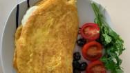 Nefis Bir Kahvaltılık: Kaşarlı Omlet Tarifi