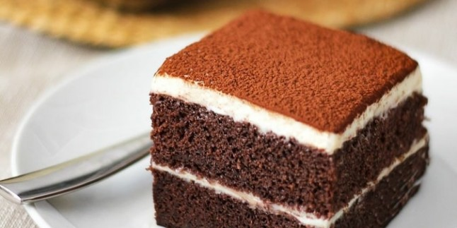 Yaş Pasta Tadında: Muhallebili Kek Tarifi