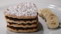 Waffle Makinesinde: Muzlu Milföy Pasta Tarifi