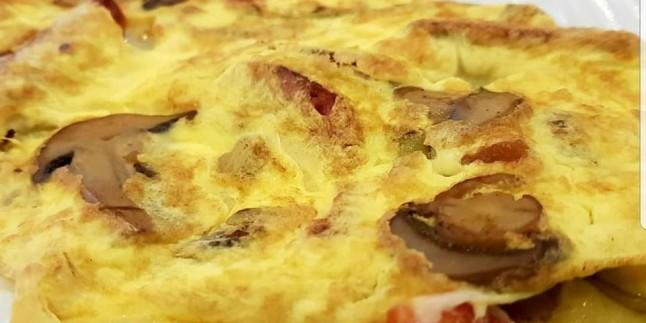 Onsuz Kahvaltı Olmaz: Sebzeli Omlet Tarifi