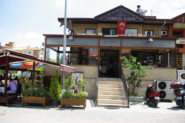 Isparta'da Asırlık Lezzet Evi: Kebapçı Kadir