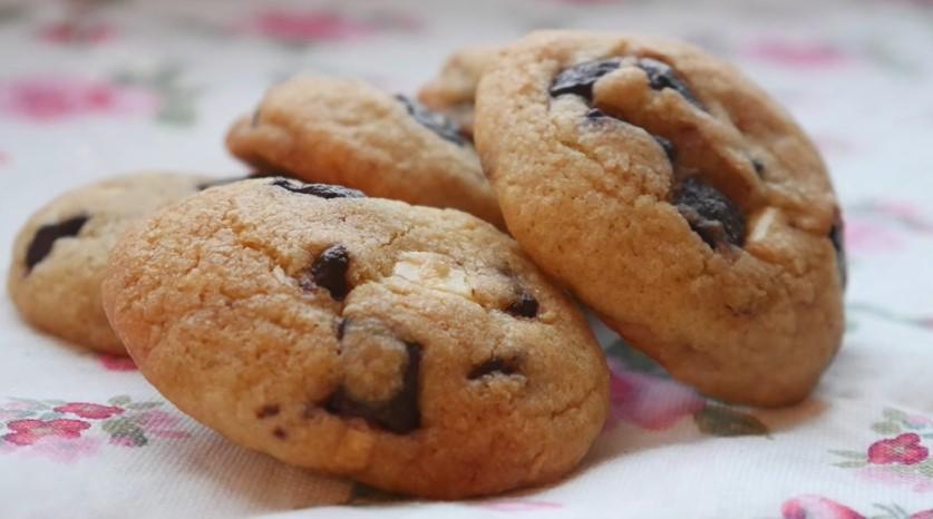 Amerikan Cookies: Çikolata Parçacıklı Kurabiye Tarifi