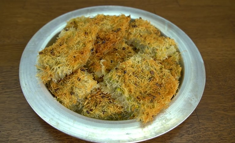 Pastane Usulü Antep Fıstıklı Kadayıf Tarifi