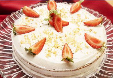 Daha Kolayı Yok : Hazır Kekle Yaş Pasta Tarifi