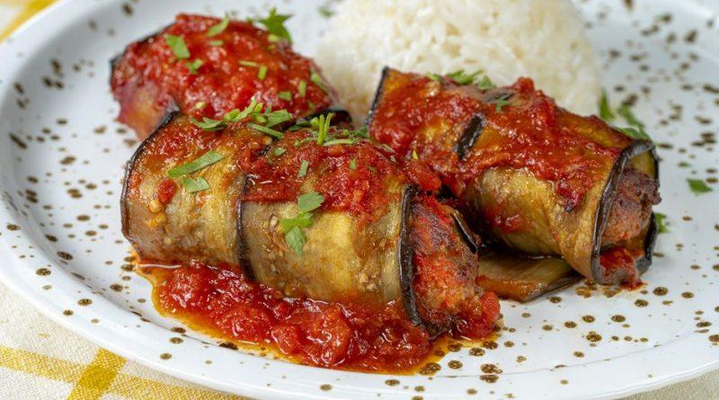 Akşam Yemeğine Ne Yapsam Diyenlere: Patlıcanlı Şiş Köfte Tarifi